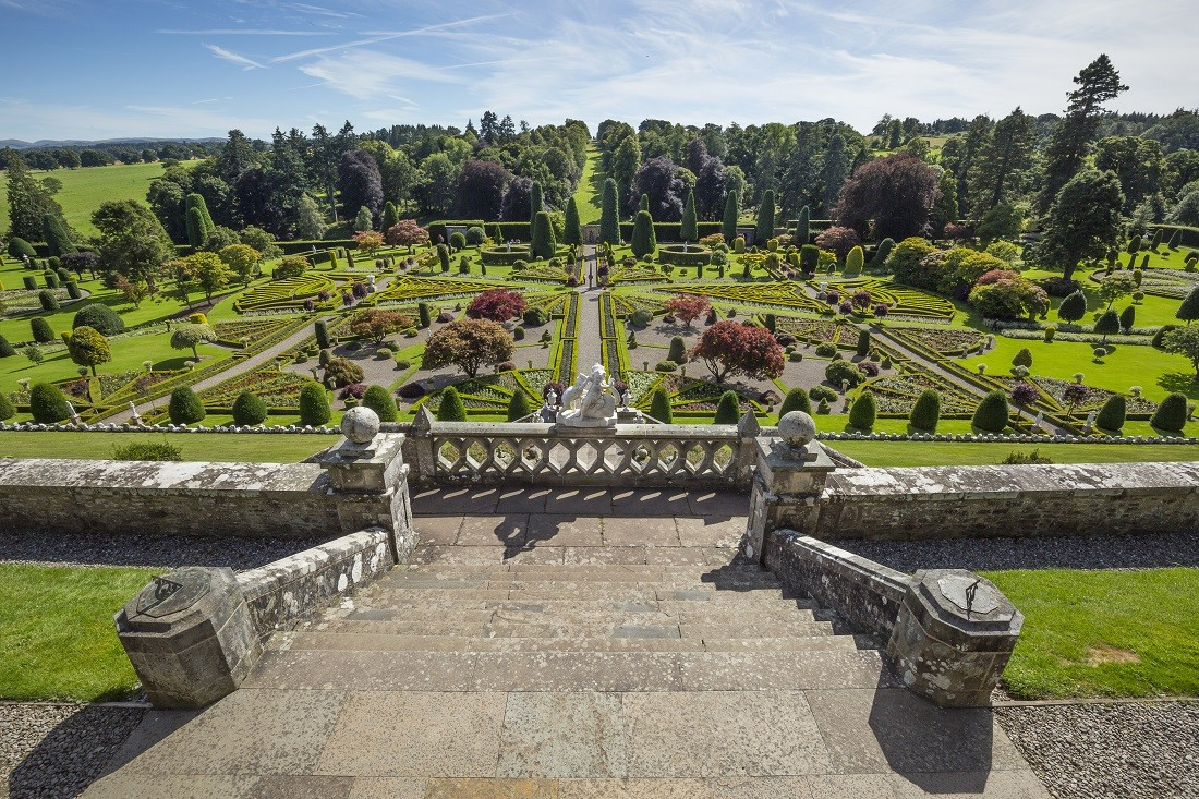 Drummond Castle Gardens from the top of the terracing, Perthshire, Scotland. Image credited to VisitScotland and Kenny Lam
