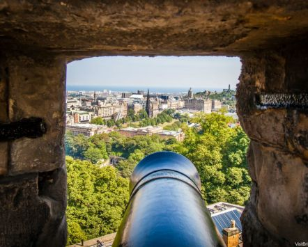 Cannon barrel, Edinburgh Castle