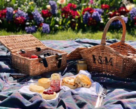 F&M picnic basket and scones in Hyde Park