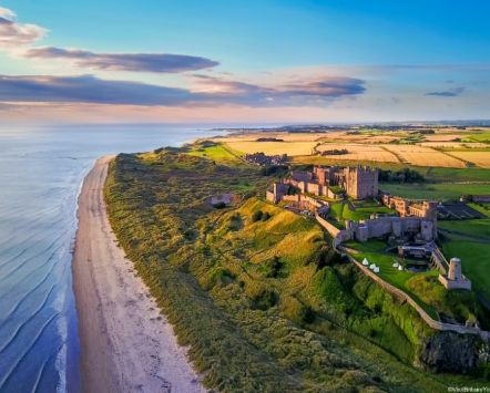 Bamburgh Castle along the Northumberland Coast_Credit to VisitBritain/Yin Sun Photography