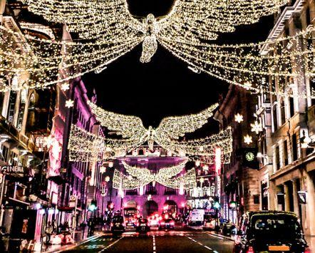 Christmas light display above traffic on Regent Street, London, England. Credit to VisitBritain/ Leyla Cobián