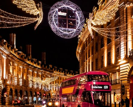 Christmas lights above traffic on Regent Street, London, England. Credit to VisitBritain/ Leyla Cobián