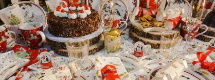 Gedekte kersttafel in het Londense warenhuis Fortnum & Mason