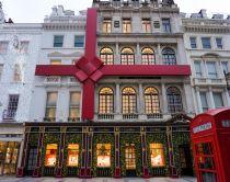 Cartier facade pyntet til jul i New Bond Street, London, England