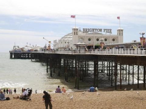 Bureaux De Change Brighton : Brighton palace pier visitbritain