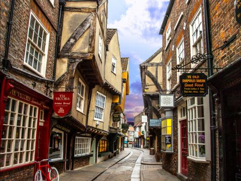 Snickelways und the shambles visitbritain