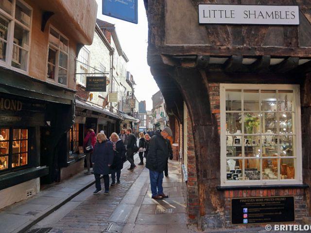 Middeleeuwse straat Little Shambles in York, Engeland
