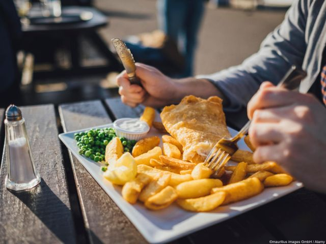 Traditionele Engelse fish & chips in badplaats Brighton
