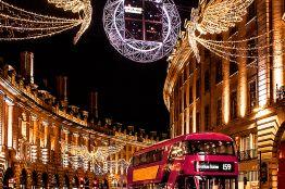 Christmas, Regent Street, London, England.©VisitBritain/ Leyla Cobián