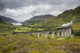 Jacobite Steam Train. Glenfinnan Viaduct. Credit: VisitScotland/Kenny Lam.