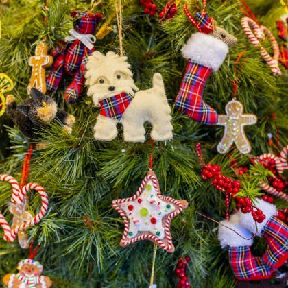 Close-up van decoratie van een kraampje op de kerstmarkt van Glasgow