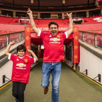 Met je zoon naar de voetbal, onbetaalbaar