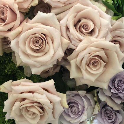 Flower arranging at Moyses Stevens Flower School in Battersea