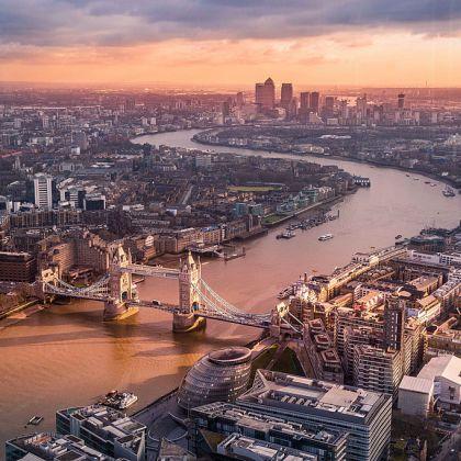 Vue aérienne de la Tamise et du Tower Bridge, Londres, Angleterre