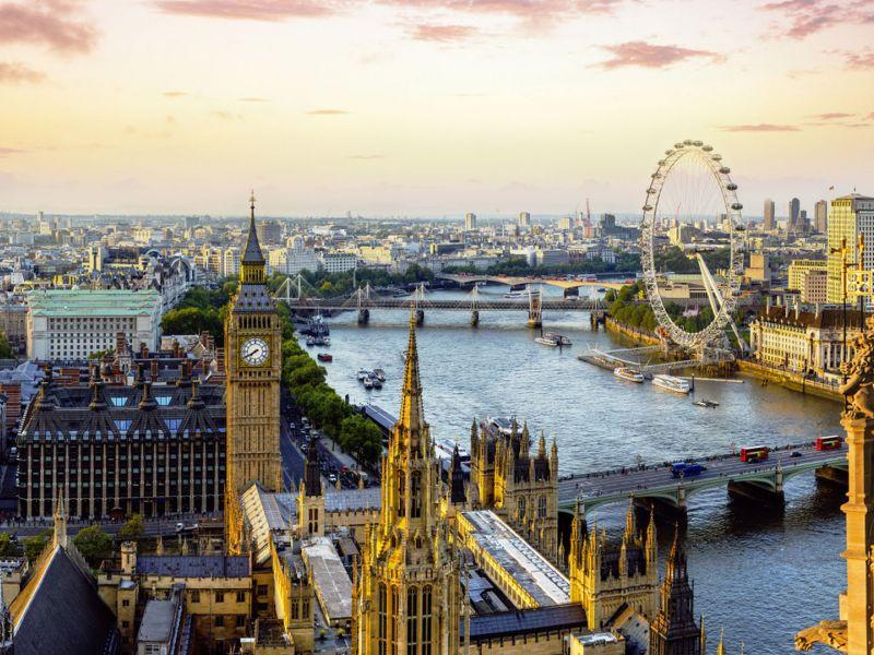 Uitzicht over Londen met Big Ben, London Eye en rivier de Theems