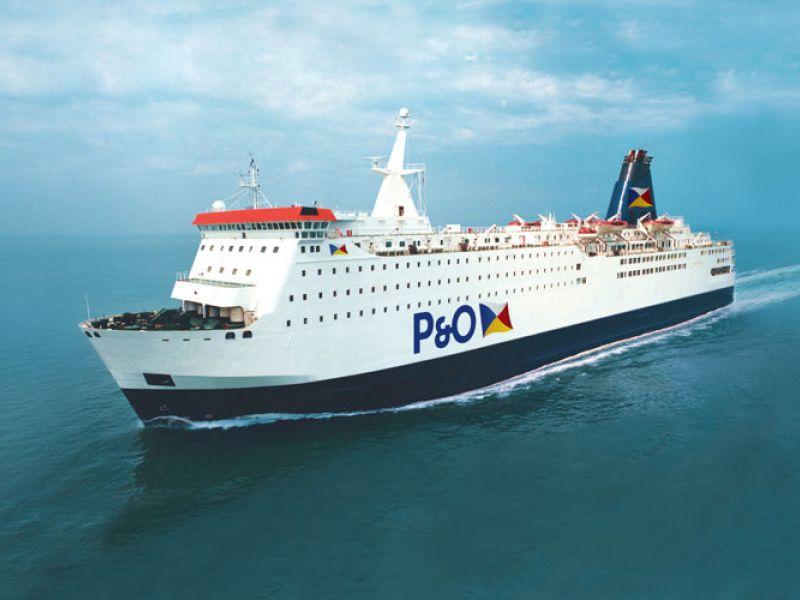Schip van P&O Ferries op de Noordzee