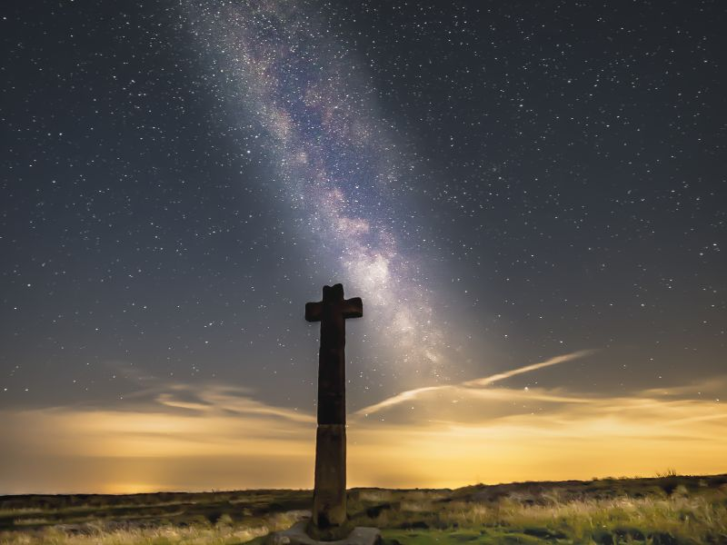 milky-way-above-young-ralphs-cross