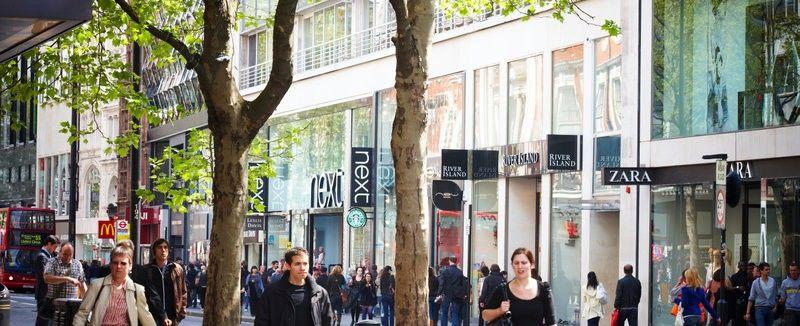 1d56a58c6e Aqui você encontra as lojas mais populares entre os turistas brasileiros  que buscam preços bons