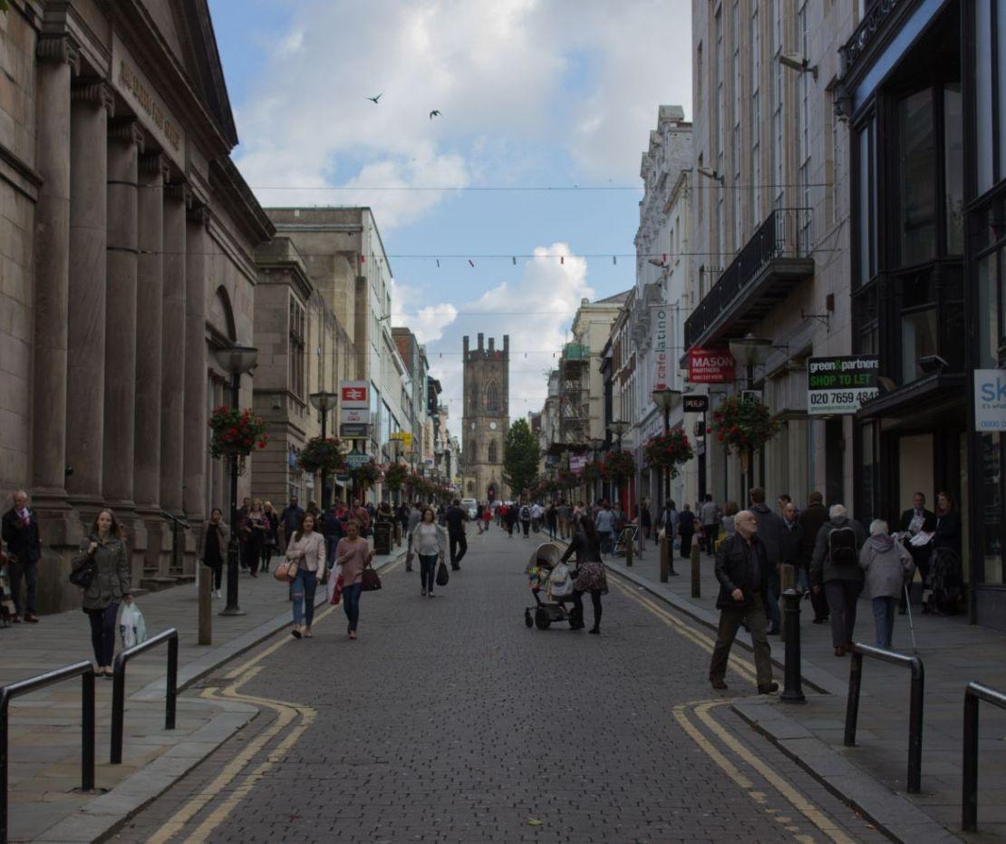 24ebc2520abd På Bold Street ligger Liverpools oberoende butiker – här hittar du  designade scouse-souvenirer på Utility , och mode på Ran och på  Resurrection.