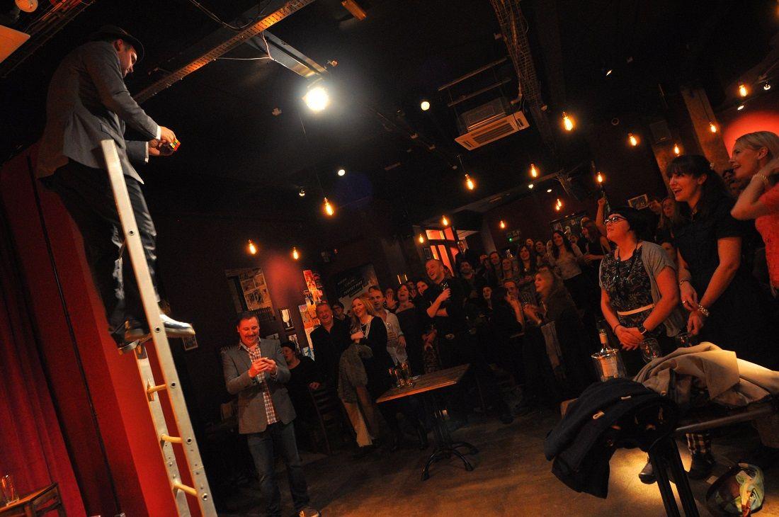Soirée comédie au Porter's à Cardiff