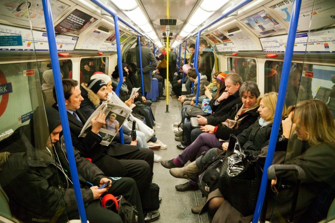 1059ebb8a5c Tube etiquette  top 9 tips for travelling on the London Underground ...