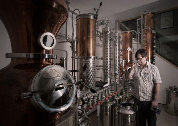 Distillery 600