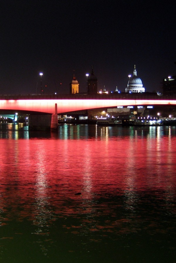 Thames bridge and st paul's