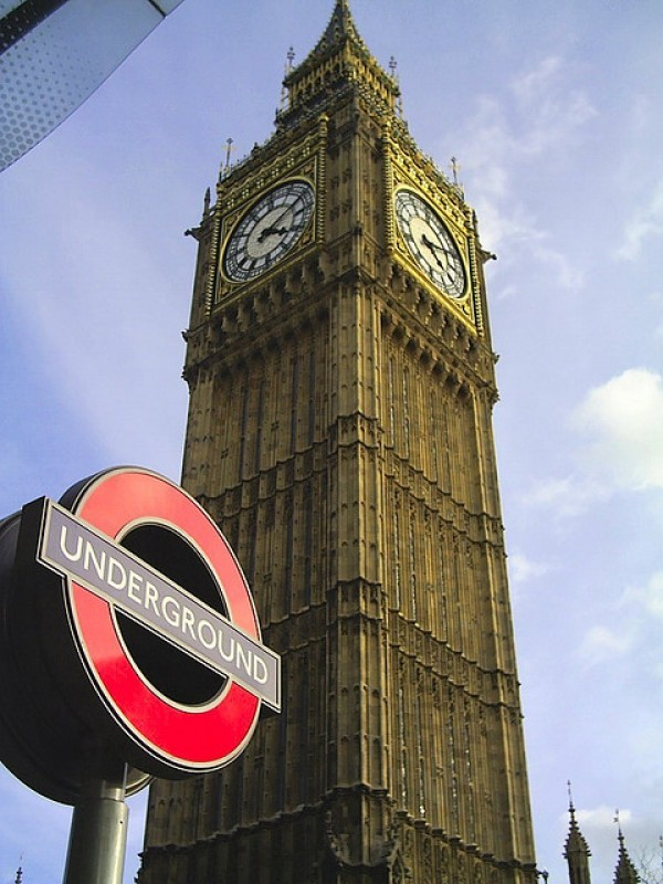 tube sign and big ben