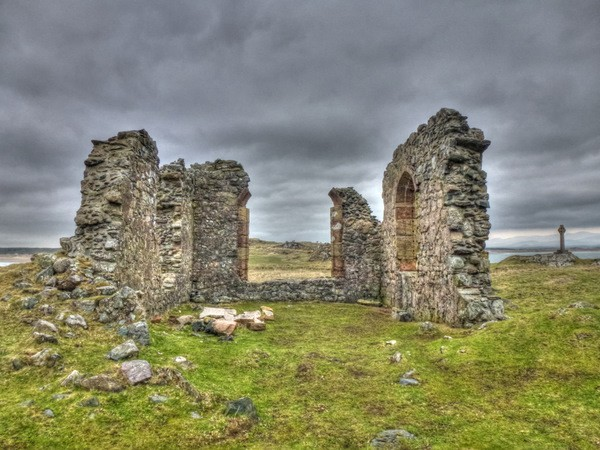 St Dynwen's church
