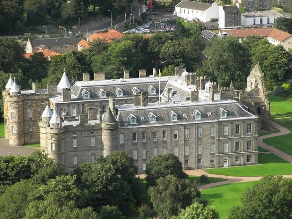 Palace of Holyrood House by aromanos