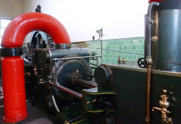 Peace Steam Engine - Queen St Mill Burnley - photo by Zoe Dawes