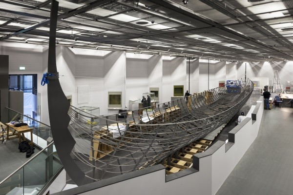 The installation at the British Museum of the largest Viking boat ever found © Paul Raftery