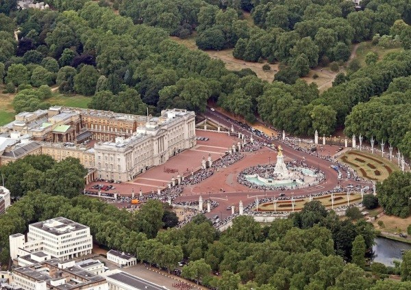 TLH_Buckingham Palace 600